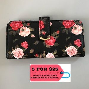 Handbags - NWOT Black w/ Red Roses Snap Multi-Pocket Wallet